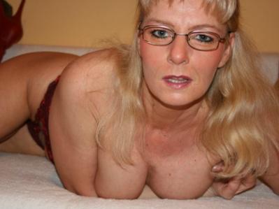 Livesex mit CuteWoman auf Camseite.com