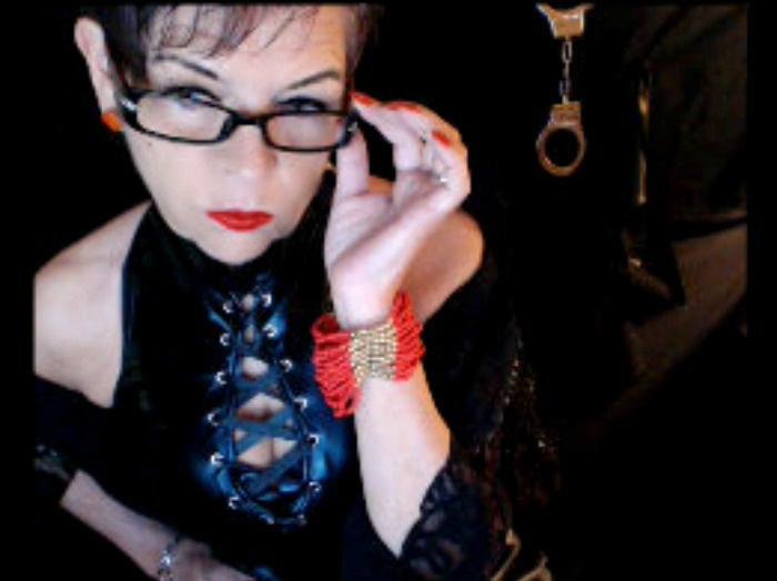 Livesex mit LadyVioletta auf Camseite.com
