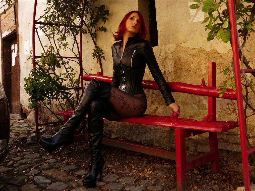 Livesex mit ladyveronique22 auf Camseite.com