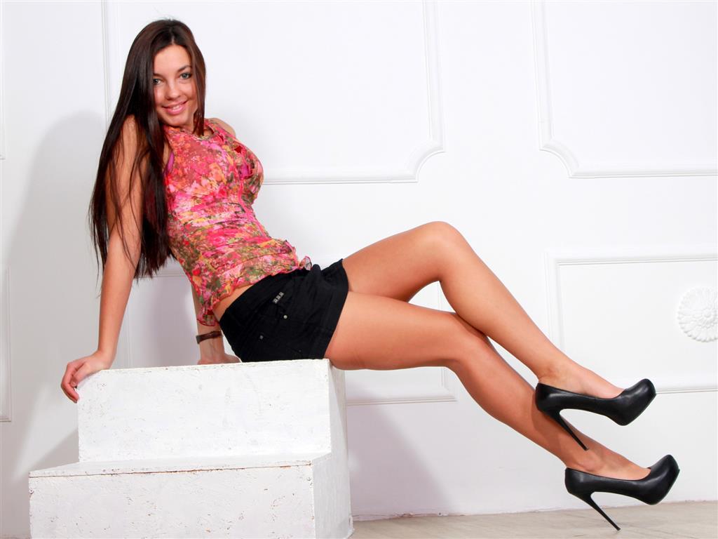 Livesex mit Carramel auf Camseite.com