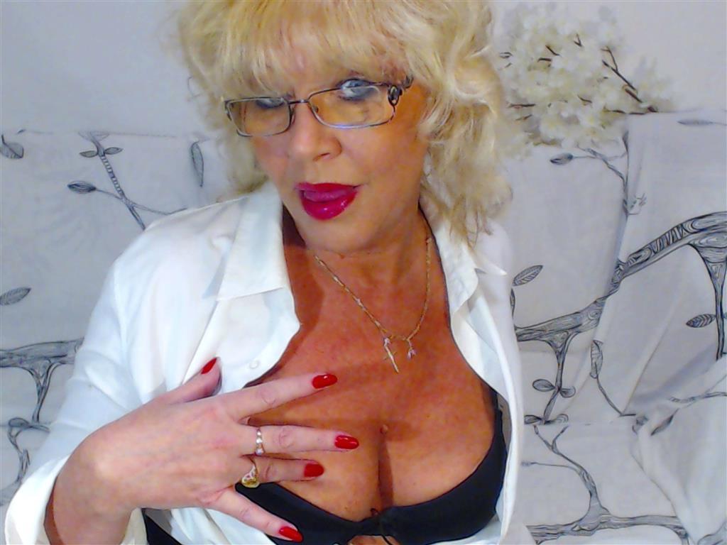Livesex mit MatureBlonde auf Camseite.com