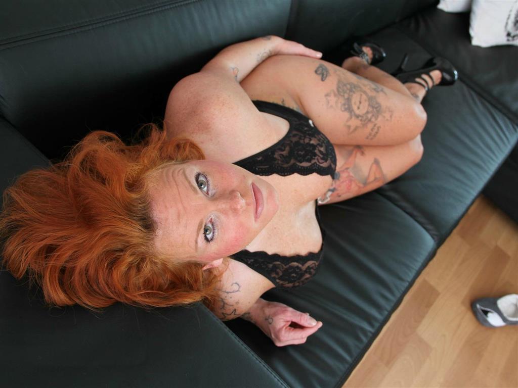 Livesex mit GinaValentina auf Camseite.com