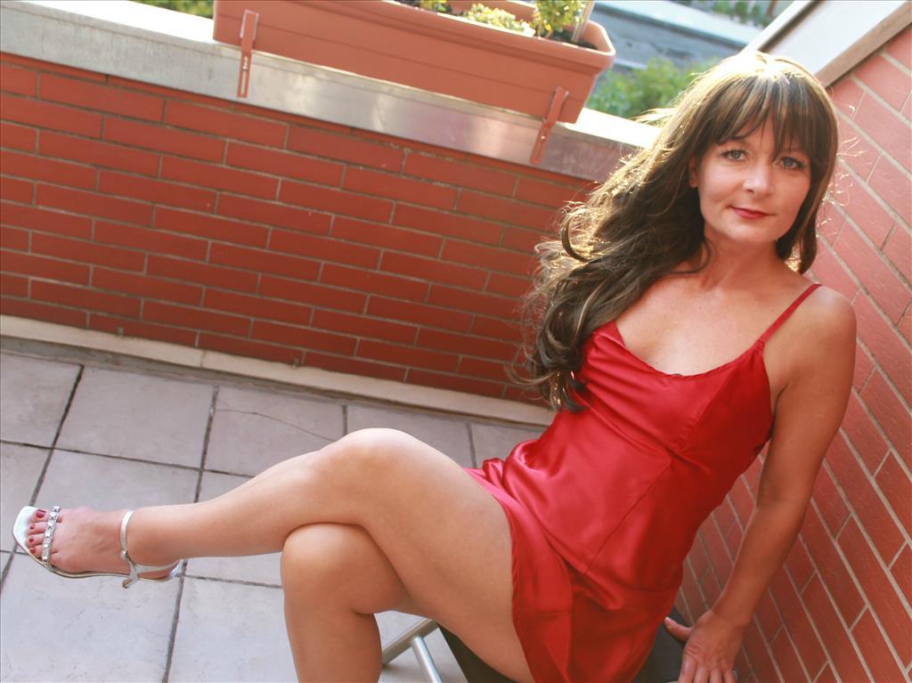 Livesex mit E-manu-Ela auf Camseite.com