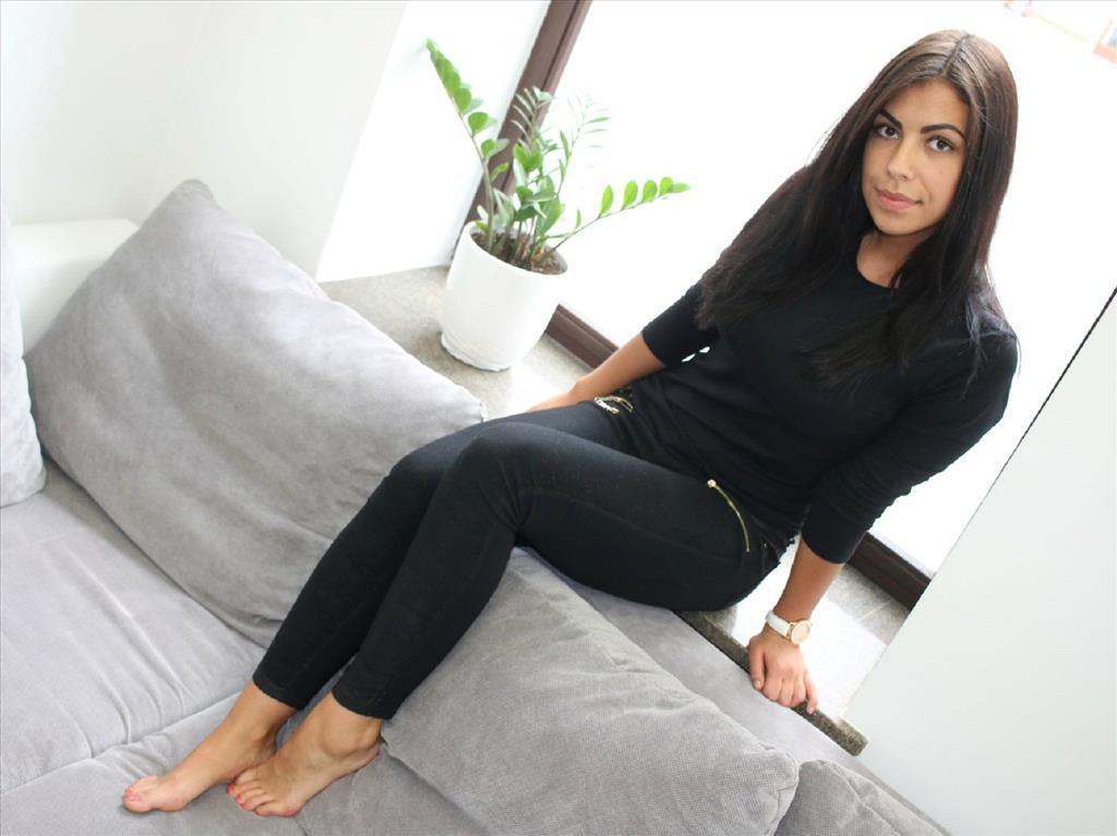 Livesex mit PrettyGiana auf Camseite.com