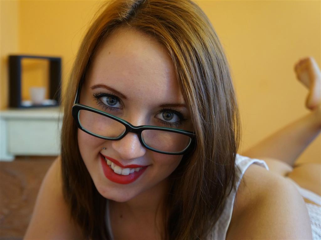 Livesex mit RebeccaGlam auf Camseite.com