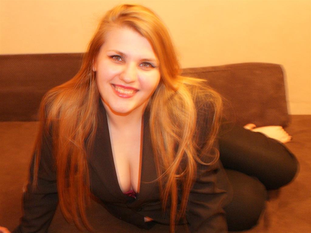 Livesex mit Sonia93xx auf Camseite.com