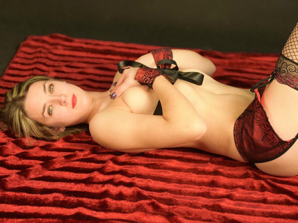 Livesex mit Sexy-Angelika auf Camseite.com