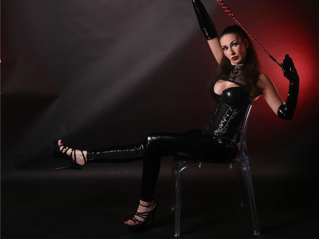 Livesex mit AliceWonderlandd auf Camseite.com