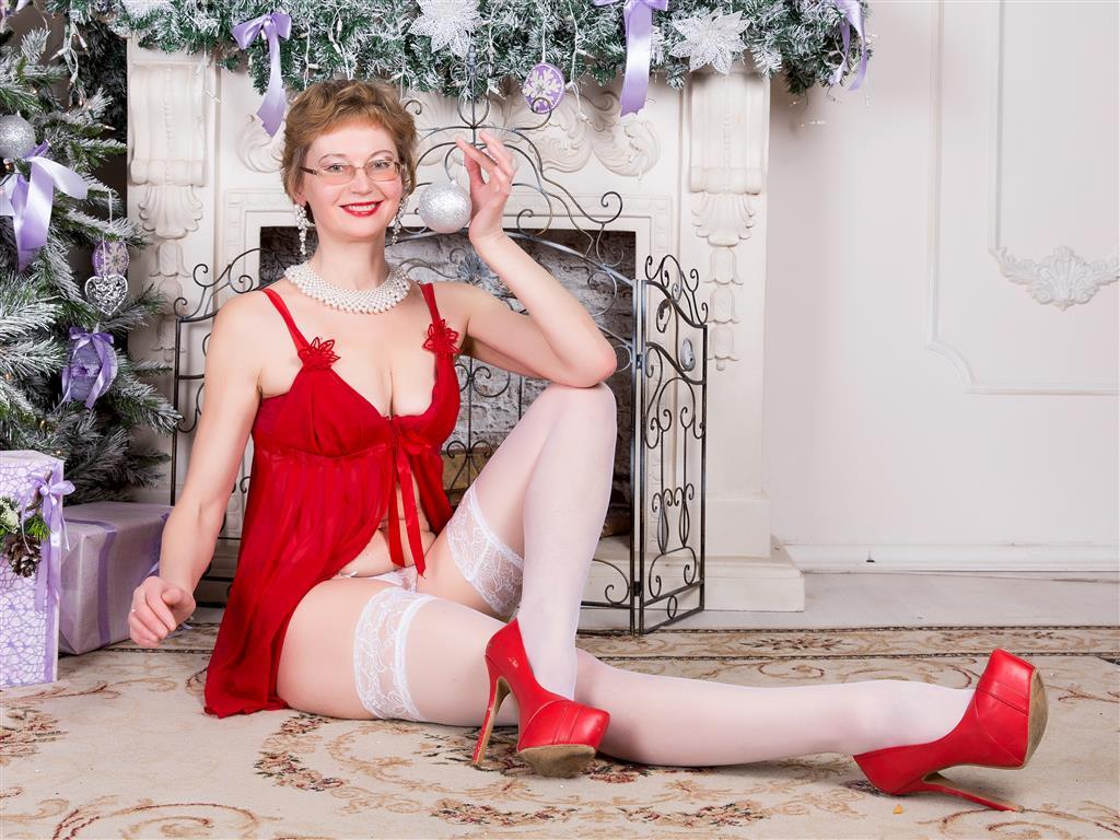 Livesex mit FairyHairyNina auf Camseite.com