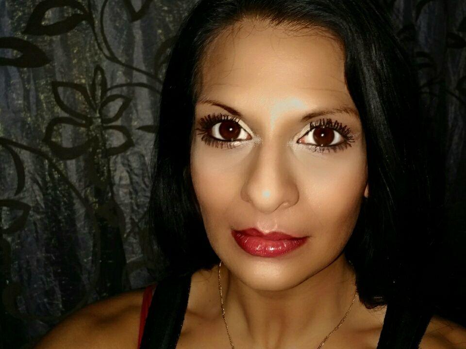 Livesex mit SexyMulan auf Camseite.com