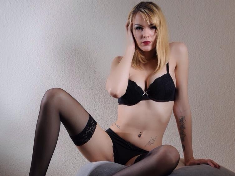 Livesex mit Sexylou20 auf Camseite.com